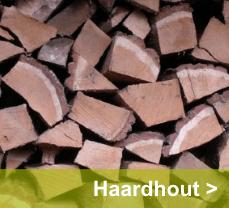Pallet met ovengedroogd hout. Het beste hout voor uw tuinhaard of vuurschaal